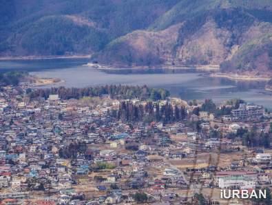 ซูมไปเห็นหมู่บ้านแถวคาวากูชิโกะ