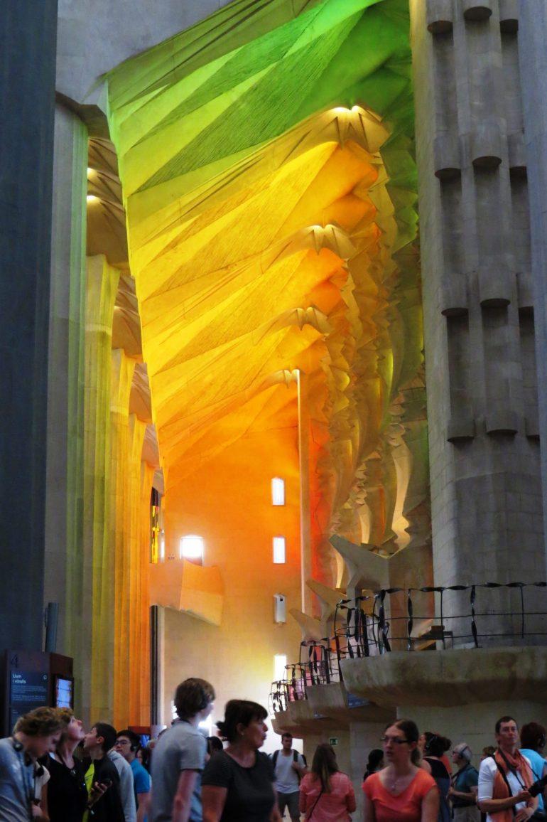 """""""บาร์เซโลน่า"""" เมืองของ """"เกาดี้"""" สถาปนิกผู้รังสรรค์ผลงานที่เลียนแบบธรรมชาติสู่ """"มรดกโลก"""" 22 - Casa batllo"""