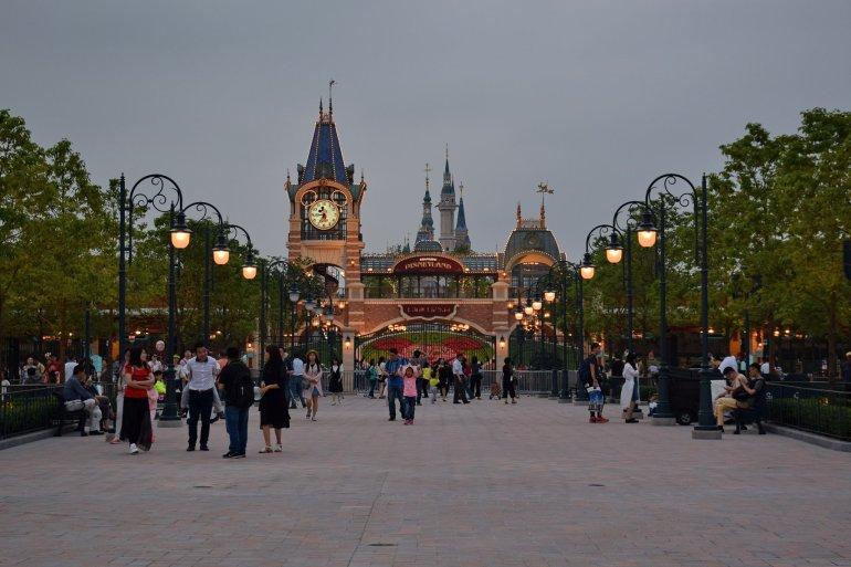 """ความเป็นมาของ """"สวนสนุกดีสนีย์แลนด์"""" สวนสนุกที่ความสนุกไม่มีวันเสร็จสิ้น 31 - Disney"""