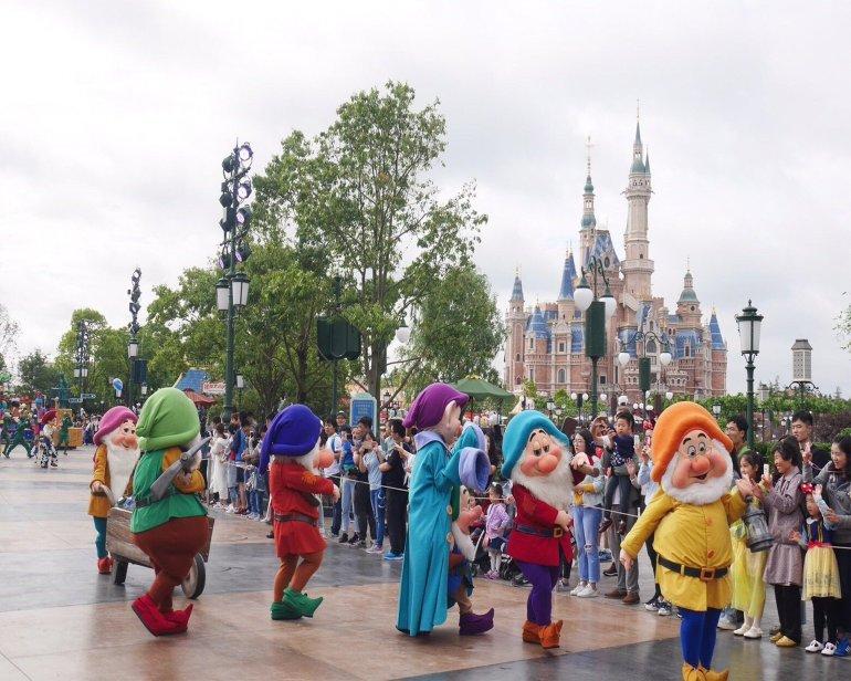 """ความเป็นมาของ """"สวนสนุกดีสนีย์แลนด์"""" สวนสนุกที่ความสนุกไม่มีวันเสร็จสิ้น 32 - Disney"""