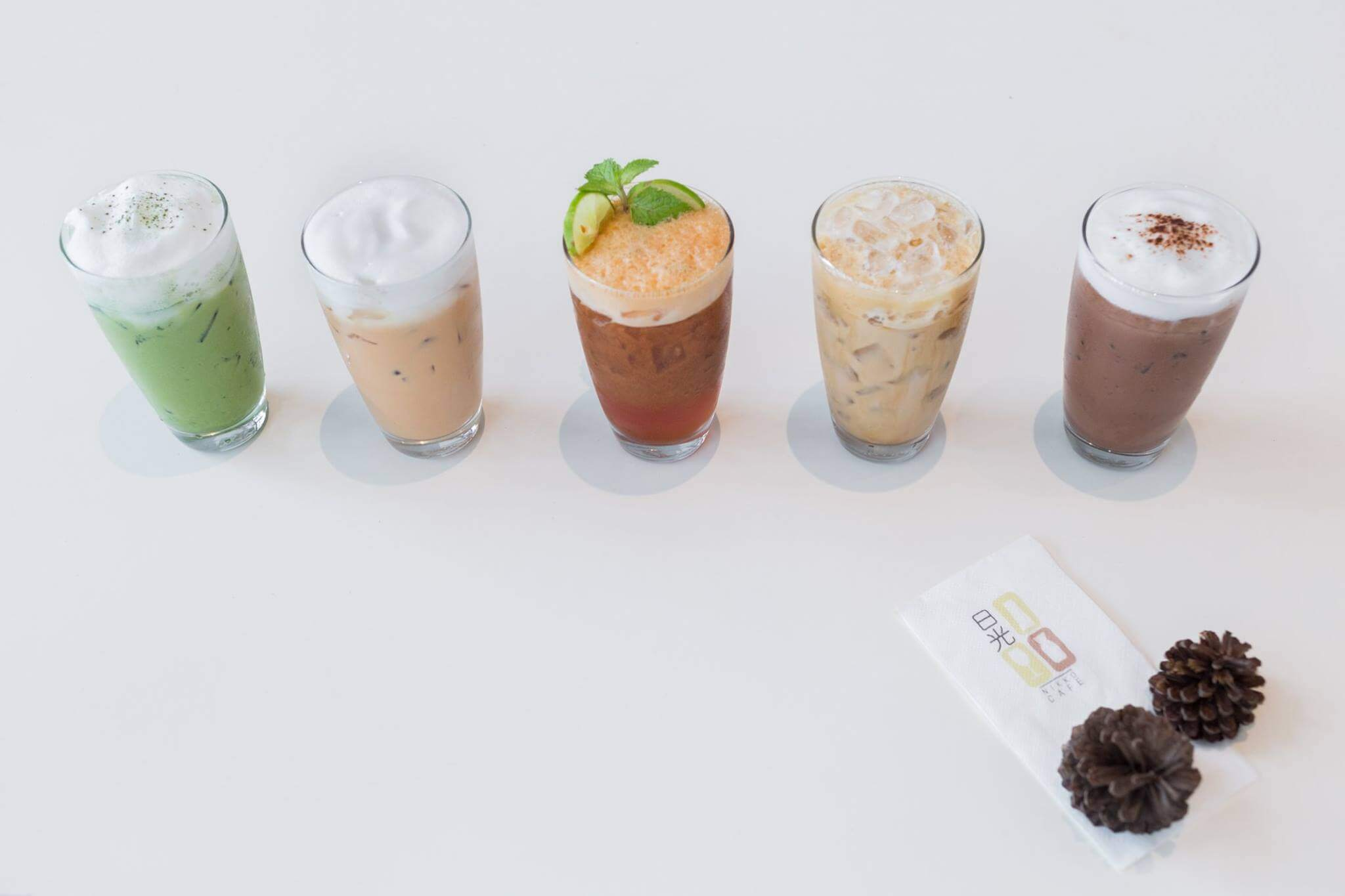 10 ร้านกาแฟ ทองหล่อ - เอกมัย เครื่องดื่มเด็ด บรรยากาศดี 54 - Ananda Development (อนันดา ดีเวลลอปเม้นท์)