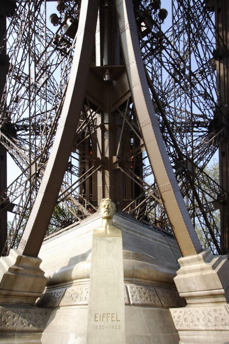 หอไอเฟล งานสถาปัตย์จากโครงเหล็ก กลางกรุงปารีส 18 - ปารีส