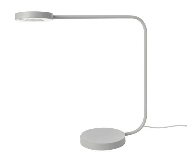 โคมไฟ มีให้เลือกทั้งแบบตั้งโต๊ะ ราคา 1,590 บาท และตั้งพื้น ราคา 1,990 บาท