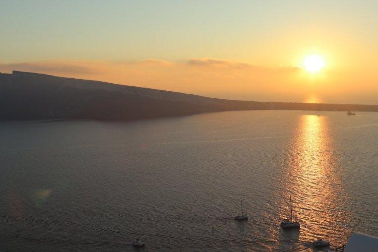 """เมื่อลืมตาขึ้น ฉันก็รู้ทันทีว่านี่คือ... """"พระอาทิตย์ตกดินที่ซานโตรินี"""" 14 - travel homepage"""