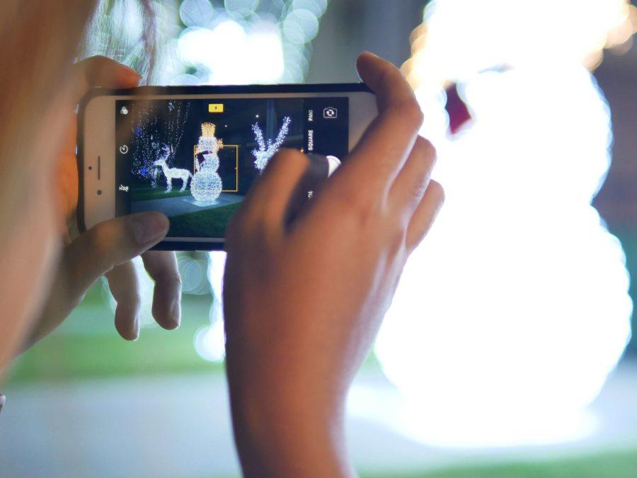 """10 เทคนิคถ่ายรูป ไฟปีใหม่-ไฟคริสต์มาส ด้วย """"กล้องมือถือ"""" ยังไงให้ปัง 8 - Advertorial"""