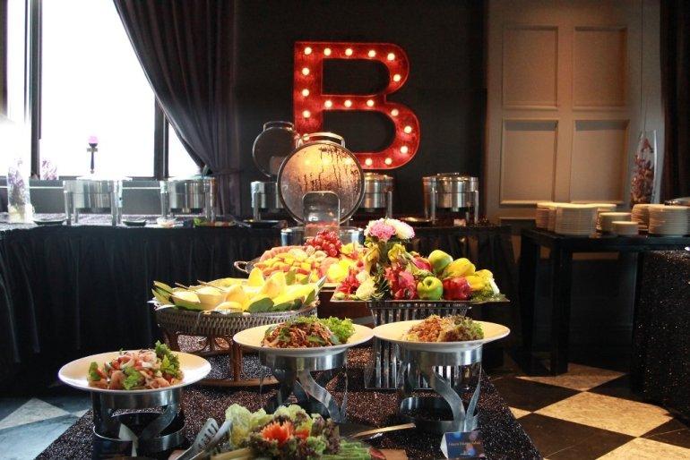 บุฟเฟ่ต์มื้อกลางวัน ที่ บาร์เบต เดอะ สเต็กเฮ้าส์ อาหารจากฟาร์มในท้องถิ่น สู่ โต๊ะอาหาร ในบรรยากาศโรงแรม 5 ดาว 13 -