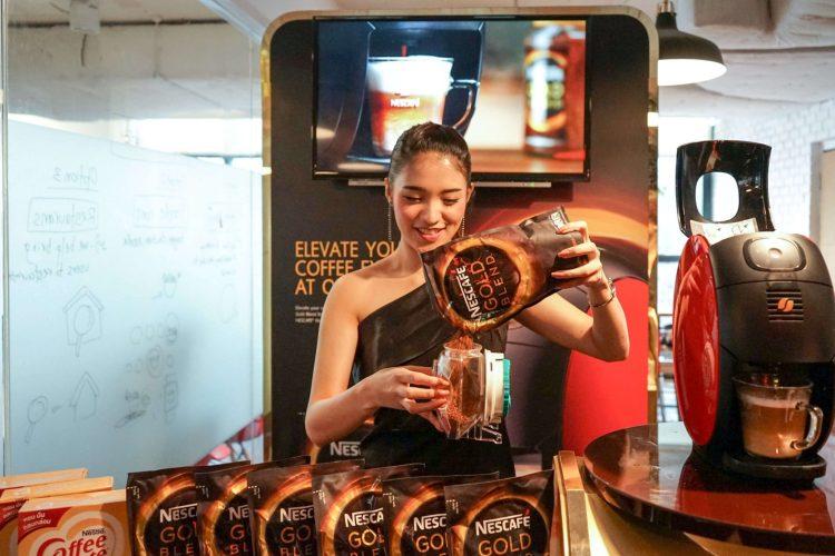 nescafe 21 750x500 บังเอิญชิม NESCAFÉ GOLD BARISTA แก้วละแค่ 3 บาท เครื่องก็ได้ฟรี ใครมีออฟฟิศคุ้มมาก จัดเลย
