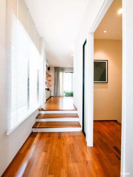 Step จากห้องโถงสู่ห้องนอน และ walkin closet