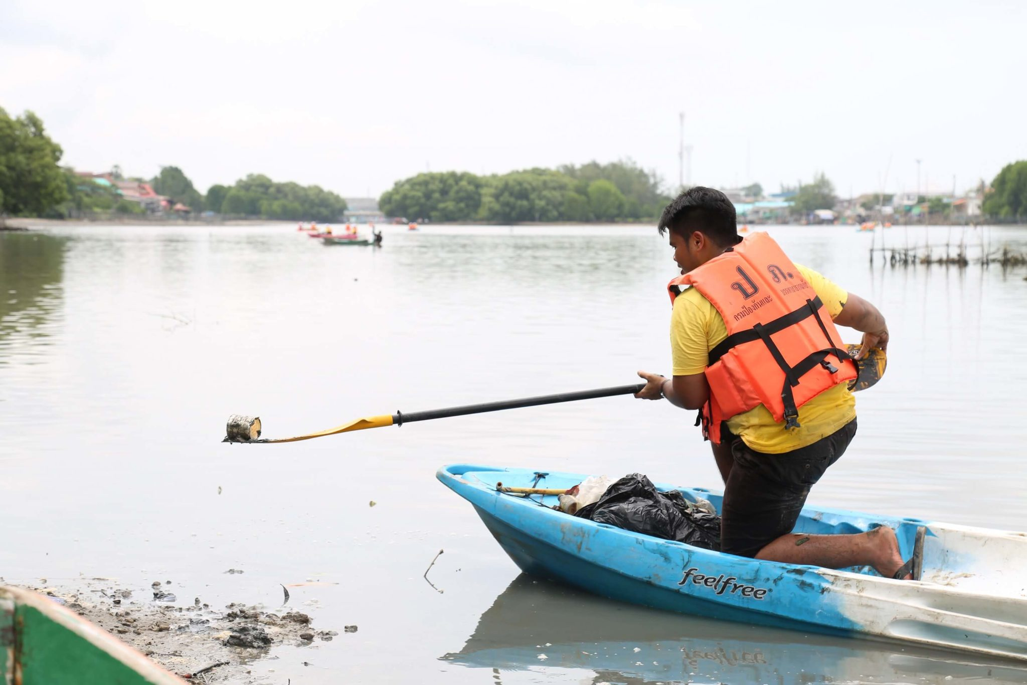 พายเรือเก็บขยะได้ถึง 2 ตัน ธรรมศาสตร์ร่วมสานต่อ #PlasticRights ในแม่น้ำระยอง 20 - junk