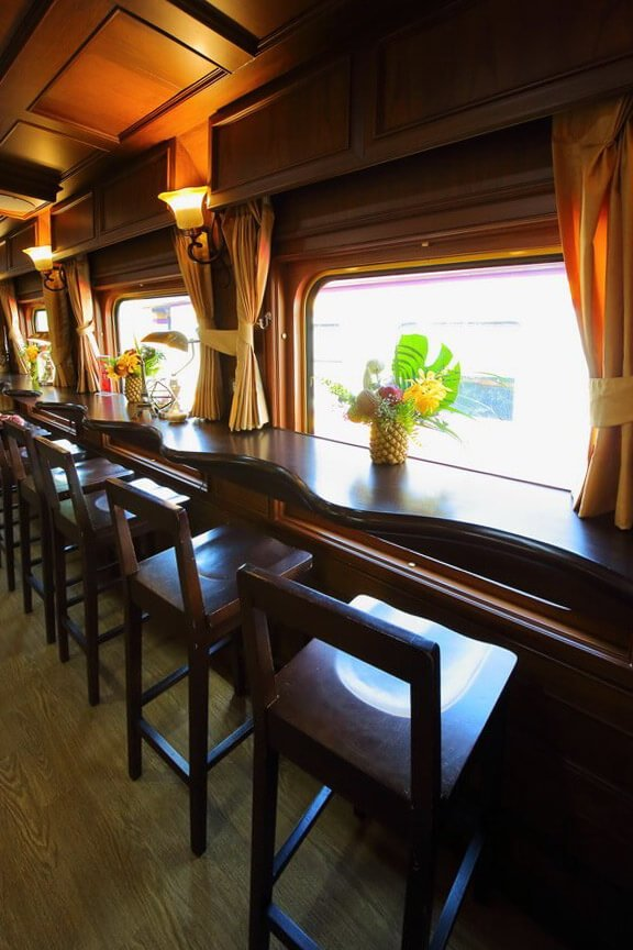 """ธรรมดาซะที่ไหน รถไฟไทยระดับเฟิร์สคลาส """"SRT Prestige"""" 19 - train"""