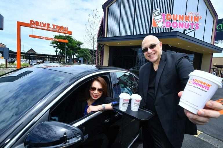 1st Dunkin' Donuts Drive Thru in Thailand ดังกิ้นโดนัท ขยายธุรกิจรุกเทรนด์ Drive Thru เปิดสาขาแรกในไทย กับการเติบโตสู่การเป็นมากกว่าร้านโดนัท 13 -