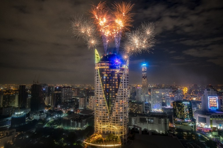 Book now and save 10% for New Year's at UNO MAS, Red Sky and CRU 12 -