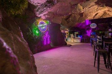 วานา นาวา วอเตอร์ จังเกิ้ล เชิญคุณมาสนุกสนานกับ เคฟ ปาร์ตี้ (Cave Party) วันเสาร์แรกของเดือน 4 -