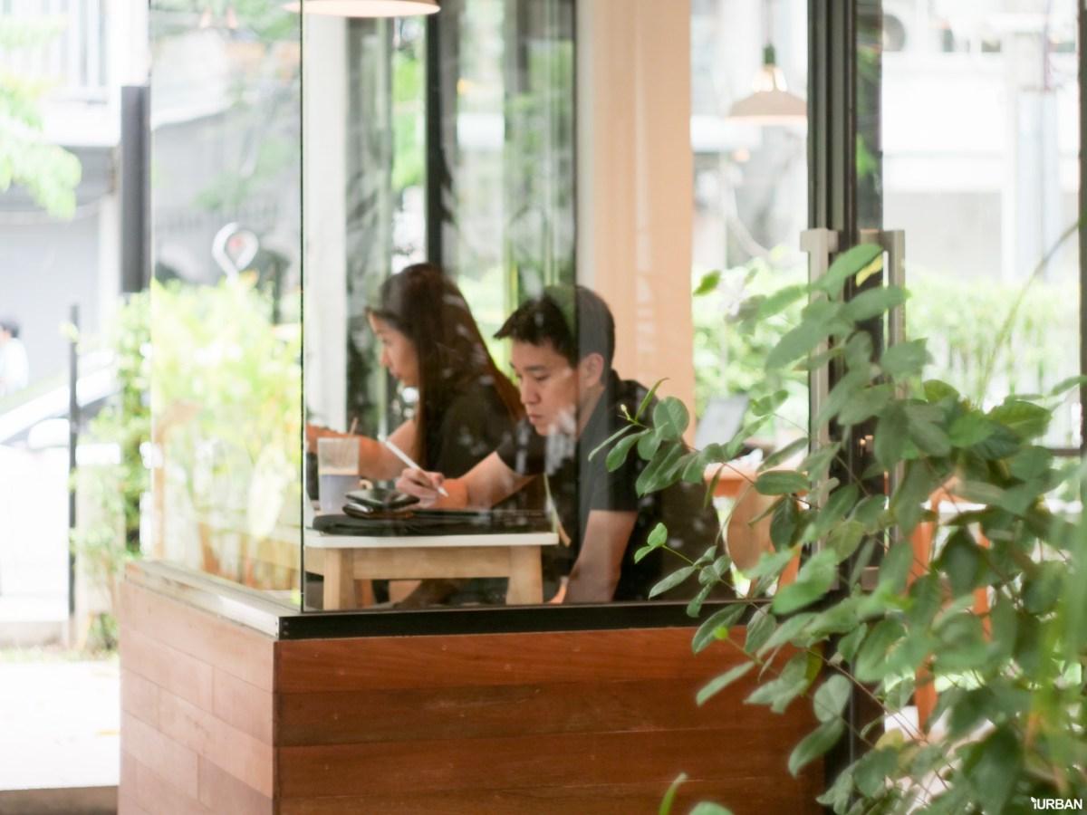 The Running Dog Cafe ร้านกาแฟ #หมาเข้าได้ สไตล์สถาปนิก ย่านสาทร 21 - cafe