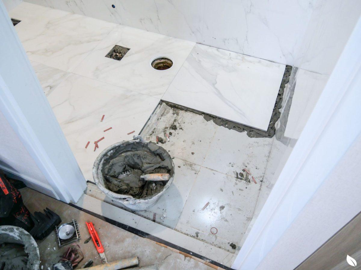 """4 ขั้นตอน """"รีโนเวทห้องน้ำขนาดเล็ก"""" ให้สวยใหม่ จบงานไวใน 2 วัน แบบปูกระเบื้องทับ ไม่ต้องรื้อ 49 - bathroom"""