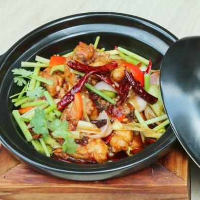 ฮอตพอตสตูว์ไก่แซ่บสไตล์เสฉวน ห้องอาหารจีนหลิว 15 -