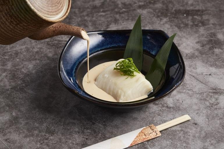 ปลาหิมะนึ่งซอสครีมมะพร้าว เมนูพิเศษประจำเดือนตุลาคม ณ ห้องอาหารคิซาระ 13 -