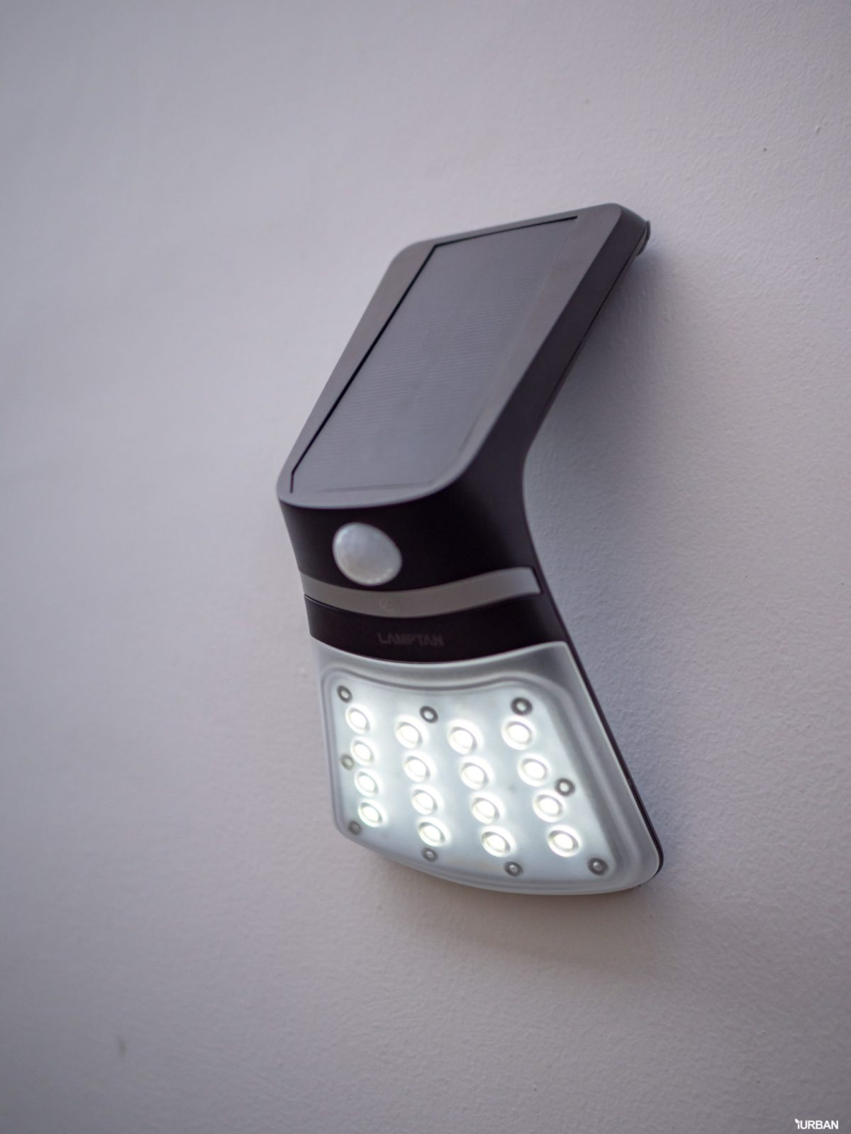 รีวิว 3 โคมไฟพลังงานแสงอาทิตย์ LAMPTAN LED SOLAR SMART SENSOR พร้อมฟังก์ชันใหม่ 2020 32 - cover