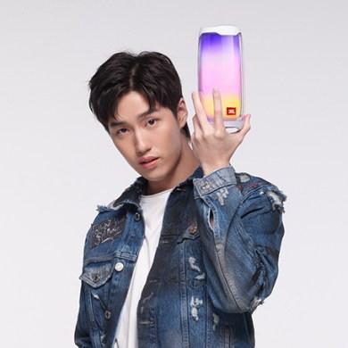 มหาจักรฯ เปิดตัว JBL Brand Presenter ดึง 'ต่อ ธนภพ' เสริมทัพ ตั้งเป้าเป็นผู้นำตลาดหูฟัง True Wireless 15 -
