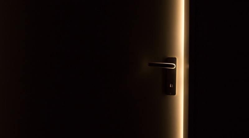 Puerta que se abre