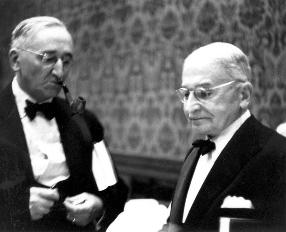Ludwig von MIses y Friedrich A. Hayek. Principales exponentes de la Escuela Austriaca de Economía.