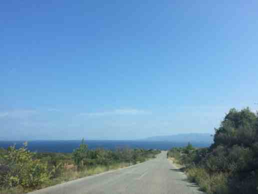 Long lonely road to Assa Maris