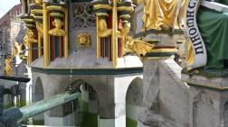 Der Schoene Brunnen wide in Altstadt Nuremberg