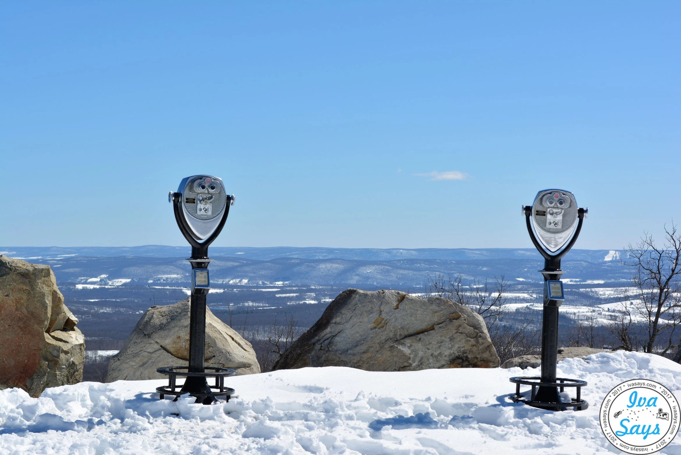 Exploring the Highest Point in New Jersey: Hiking High Point State Park and its Famous Monument