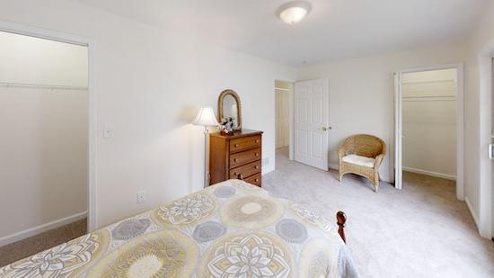 636-Stone-Circle-Bedroom(3)