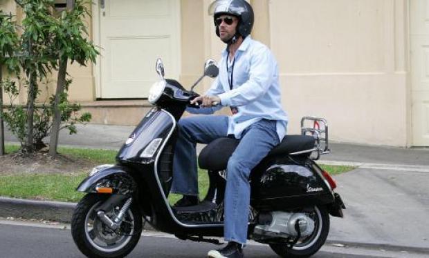hugh-jackman-riding-vespa