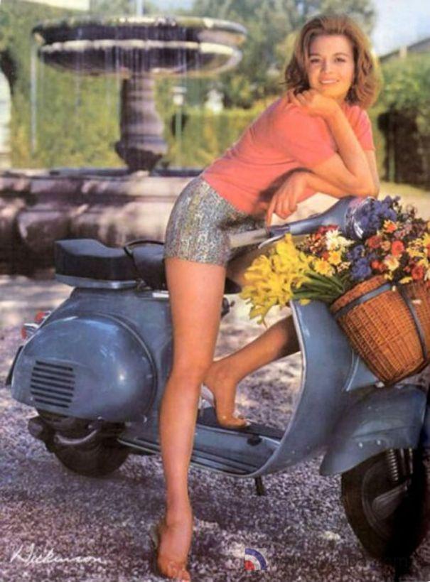 vespa-pinup-calendar-girl-1967-angie-ickinson