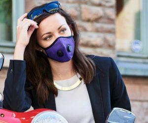 airinum-anti-pollution-mask-girl-on-vespa