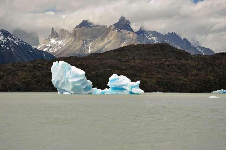 piccoli iceberg su Lago Grey