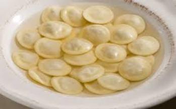 Tortelli e tortellini lungo la Via Emilia