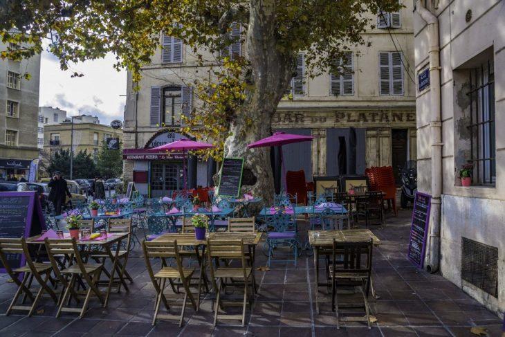 Il Pastis, aperitivo simbolo di Marsiglia e della  Provenza