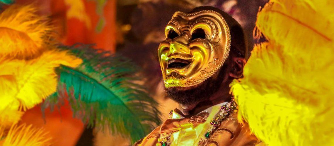 maschere e costumi sgargianti per il Mardi Gras