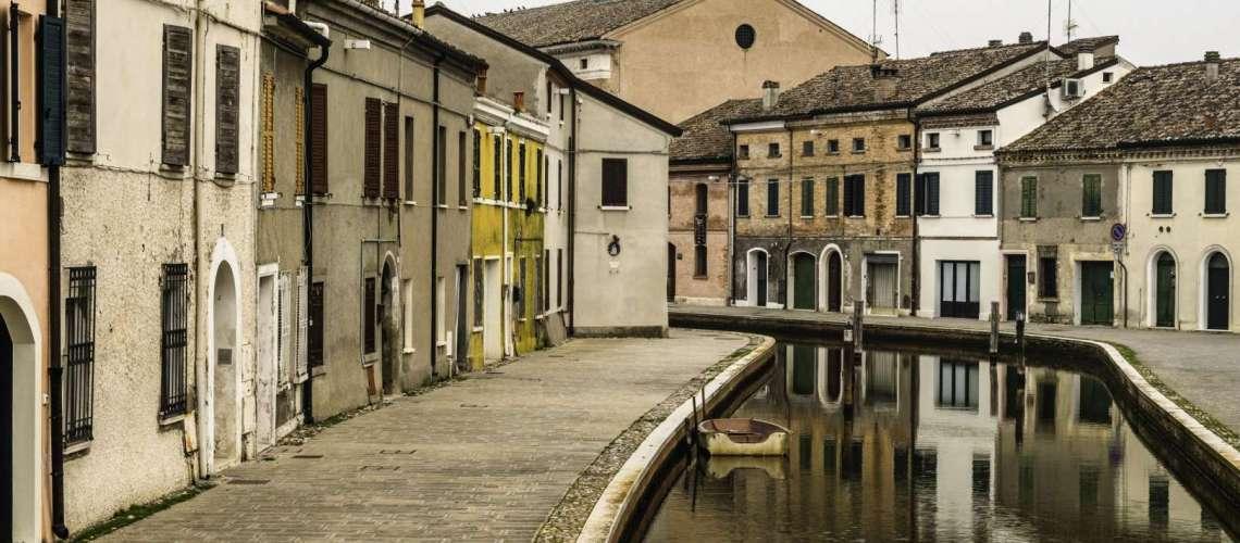 da vedere a Comacchio: i canali che la attraversano