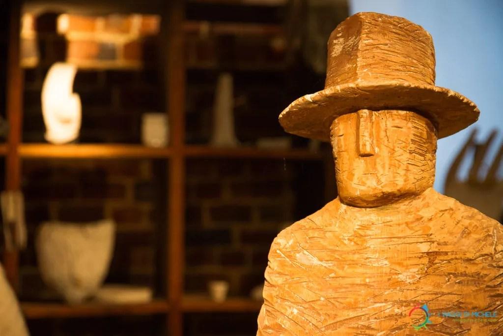 Omino di Folon diventato scultura nel suo Atelier