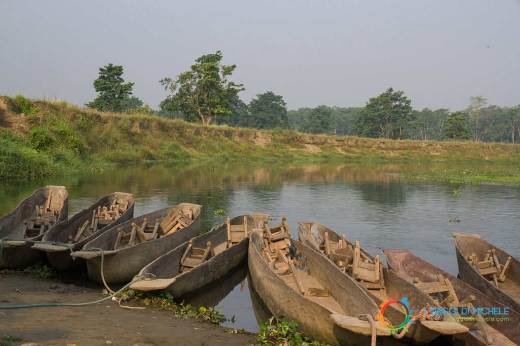 Le Canoe - Chitwan National Park