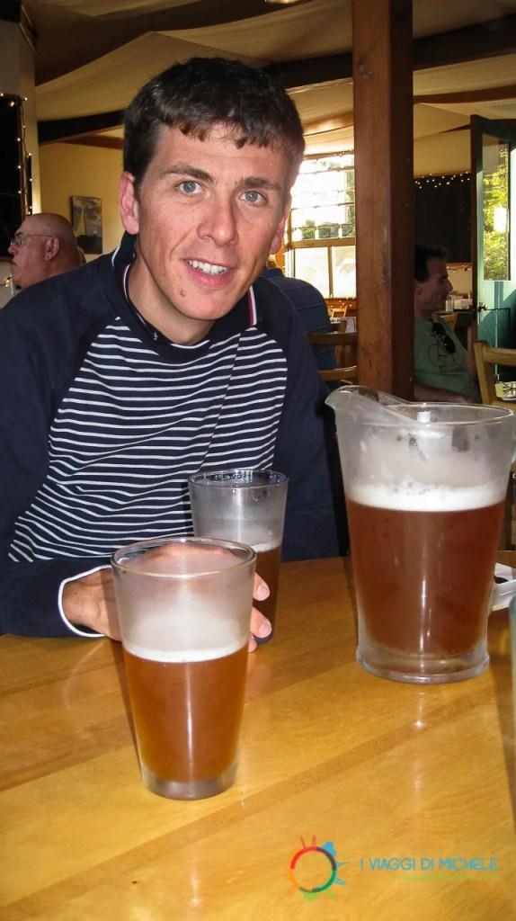 Bevendo la Birra di Haines