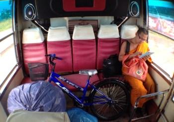 Viaggio verso il Laos con Monaco Buddista