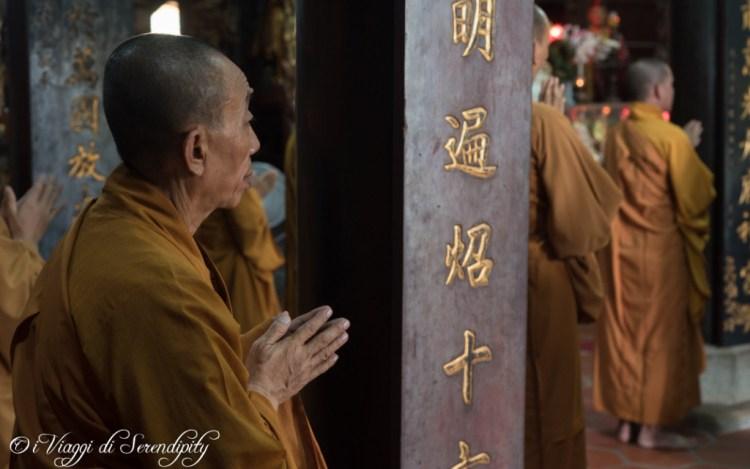 Monaco interno pagoda di Vinh Trang