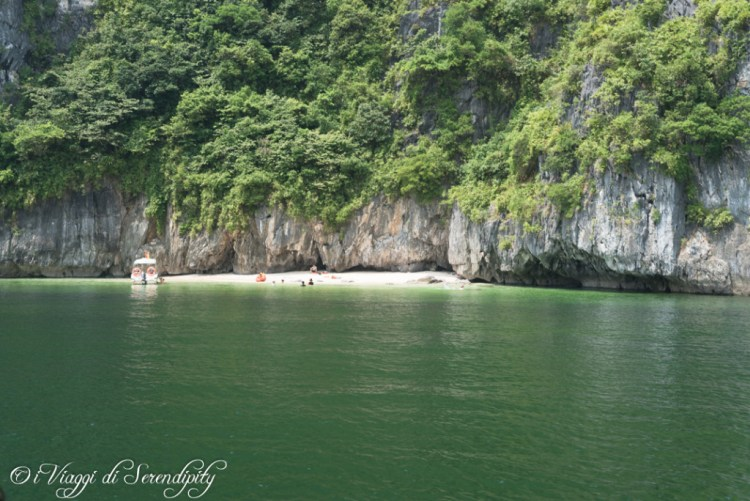 Ha Long bay spiaggia