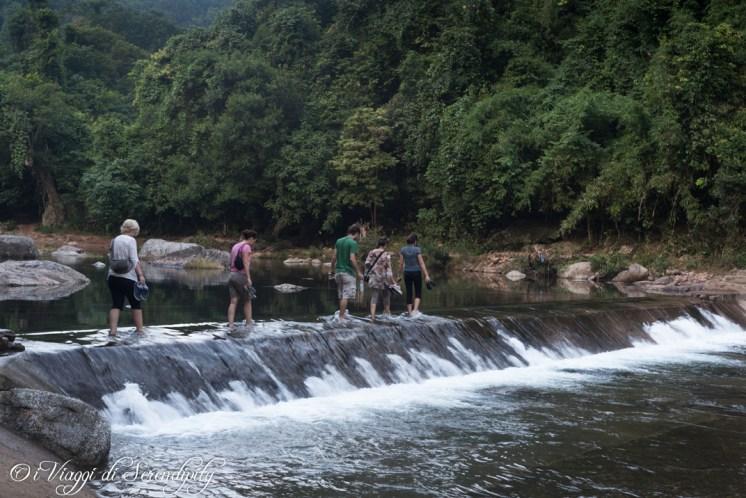 guadare il fiume