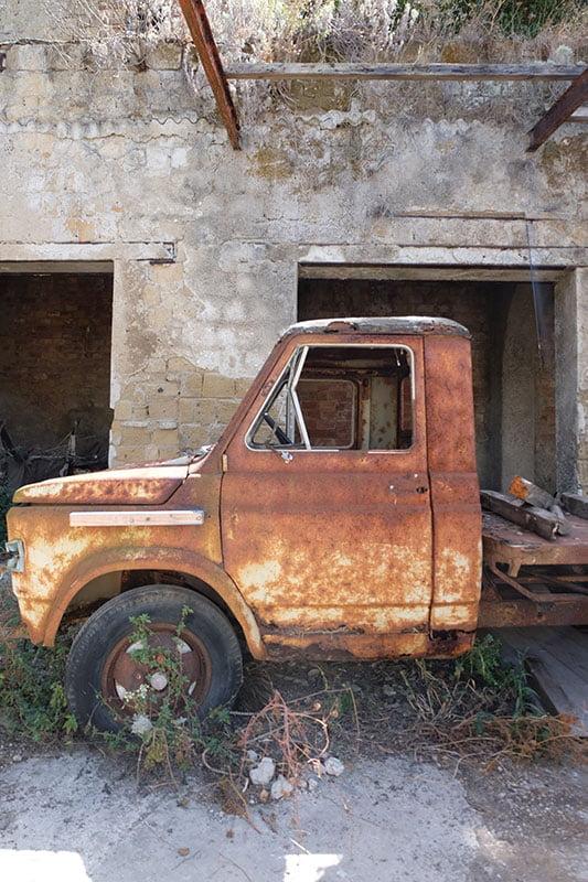 furgone palazzo d'avalos