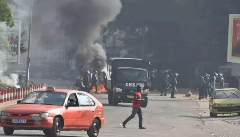 QUATRE MORTS DANS DES MANIFESTATIONS CONTRE LA CANDIDATURE DE OUATTARA
