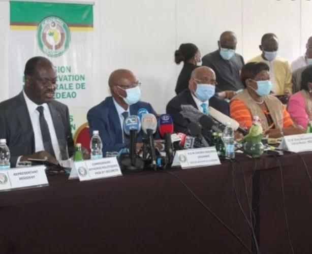 l'UA juge le scrutin »globalement satisfaisant», la Cedeao favorable au »dialogue» (déclaration conjointe)