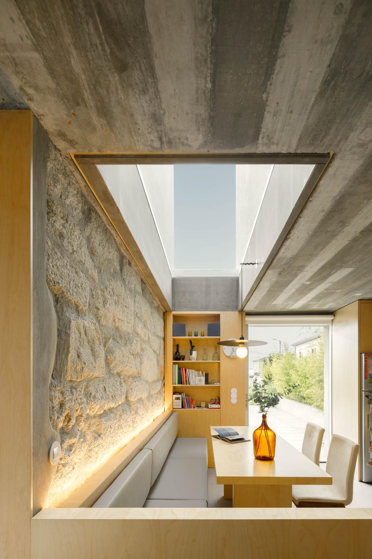 Casa Rio em Paredes do Atelier de Arquitectura Paulo Merlini Arc