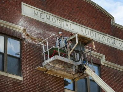 Glenn Russell photo of Memorial Auditorium