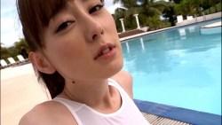 秋山莉奈 真っ白競泳水着で透けたお尻が超エロい